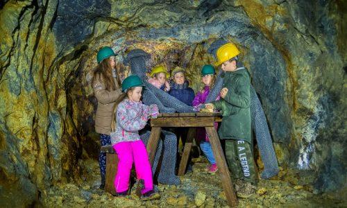 Skolsky vylet Slovenske opalove bane